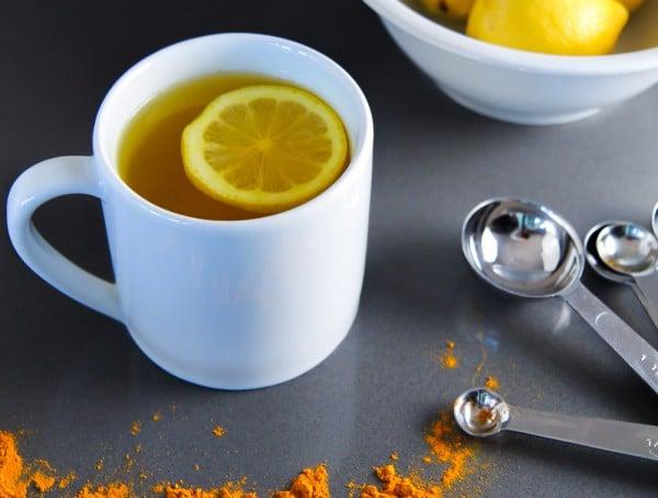 Eau chaude citronn e curcuma boisson de gu rison - Comment utiliser le curcuma dans la cuisine ...