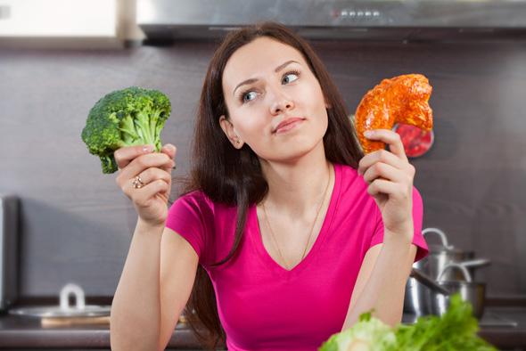 femme-brocoli-viande