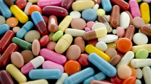 pilules-medicament-pharmacie