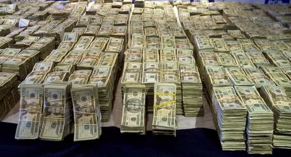 ob_7f3856_american-dollars-seized-cash.png