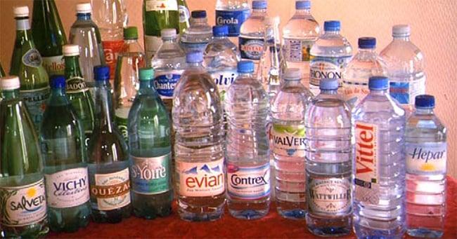 bouteilles-eau-minerales
