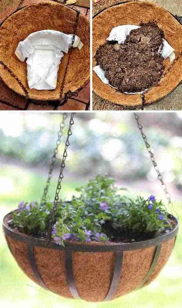 utiliser-couches-pour-garder-humidite-pots-fleurs