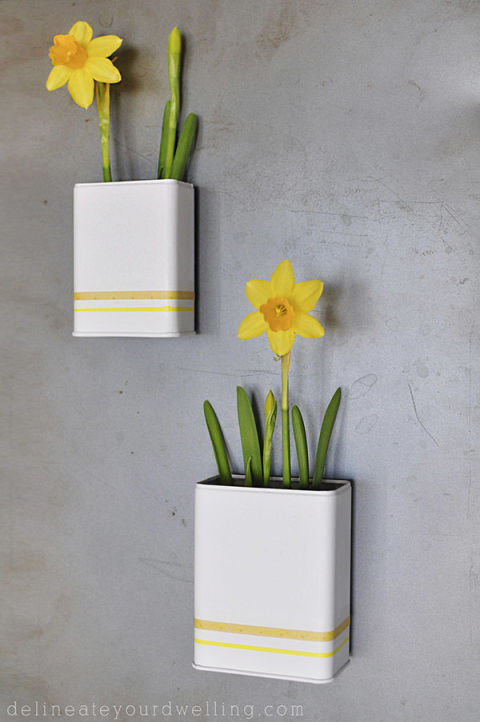 gallery-1430167260-magnetic-planters