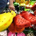 Si vous avez ces sandales, jetez-les immediatement et voilà pourquoi